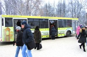 Реклама на автобусах в Кирове ЦУМ_3