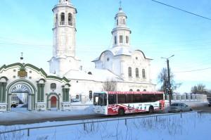 Реклама на автобусах в Кирове ЦУМ_4